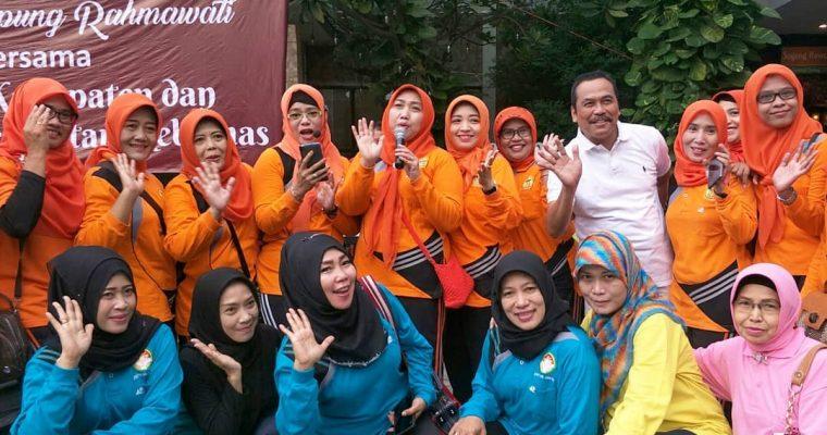 Tetap Sehat dan Bugar, Wakil Bupati Gresik Ingatkan 3 Hal dalam Event Bersama Warung Apung Rahmawati